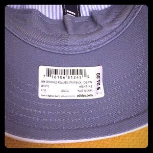 adidas Accessories - 🆕 Adidas Women's Originals Relaxed Strapback Cap